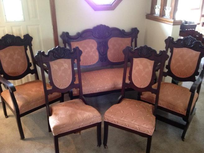 Antique Parlor Set
