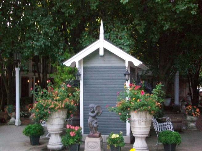 I loved this little garden shed.  I wanted to peek inside but the door (other side) was locked.